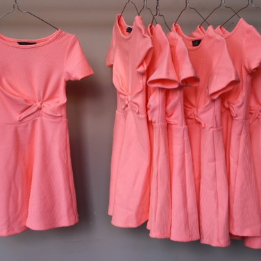 12 robes rose flashy.jpg