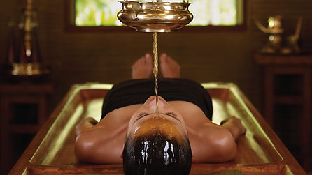 Panchakarma-oil-treatment.jpg