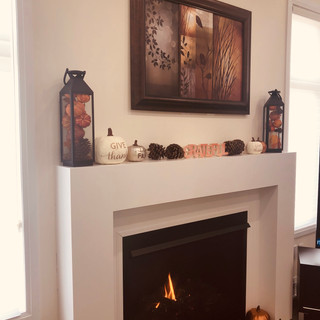 Thanksgiving fireplace deco