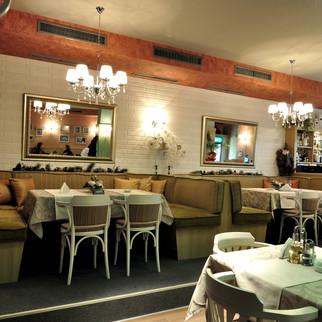 """""""RIVERSIDE"""" Restaurant"""