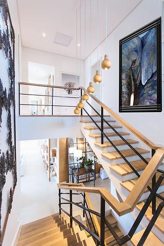 Wood & Metal Staircase - Elegant lightin