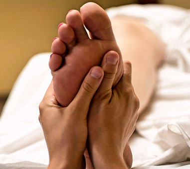 foot-massage-2277450_1920_edited_edited.jpg