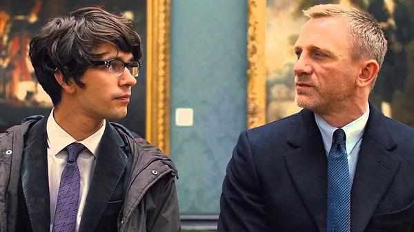 O encontro de James Bond e o novo Q