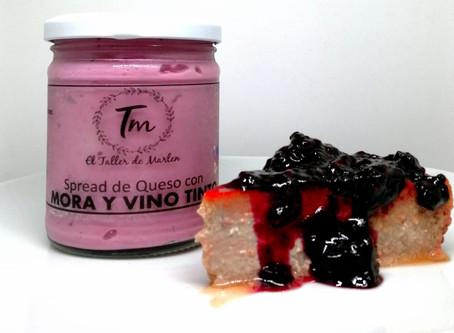 Flan de queso con moras-fresas