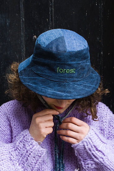 forest bucket hat with string and dark blue front brim