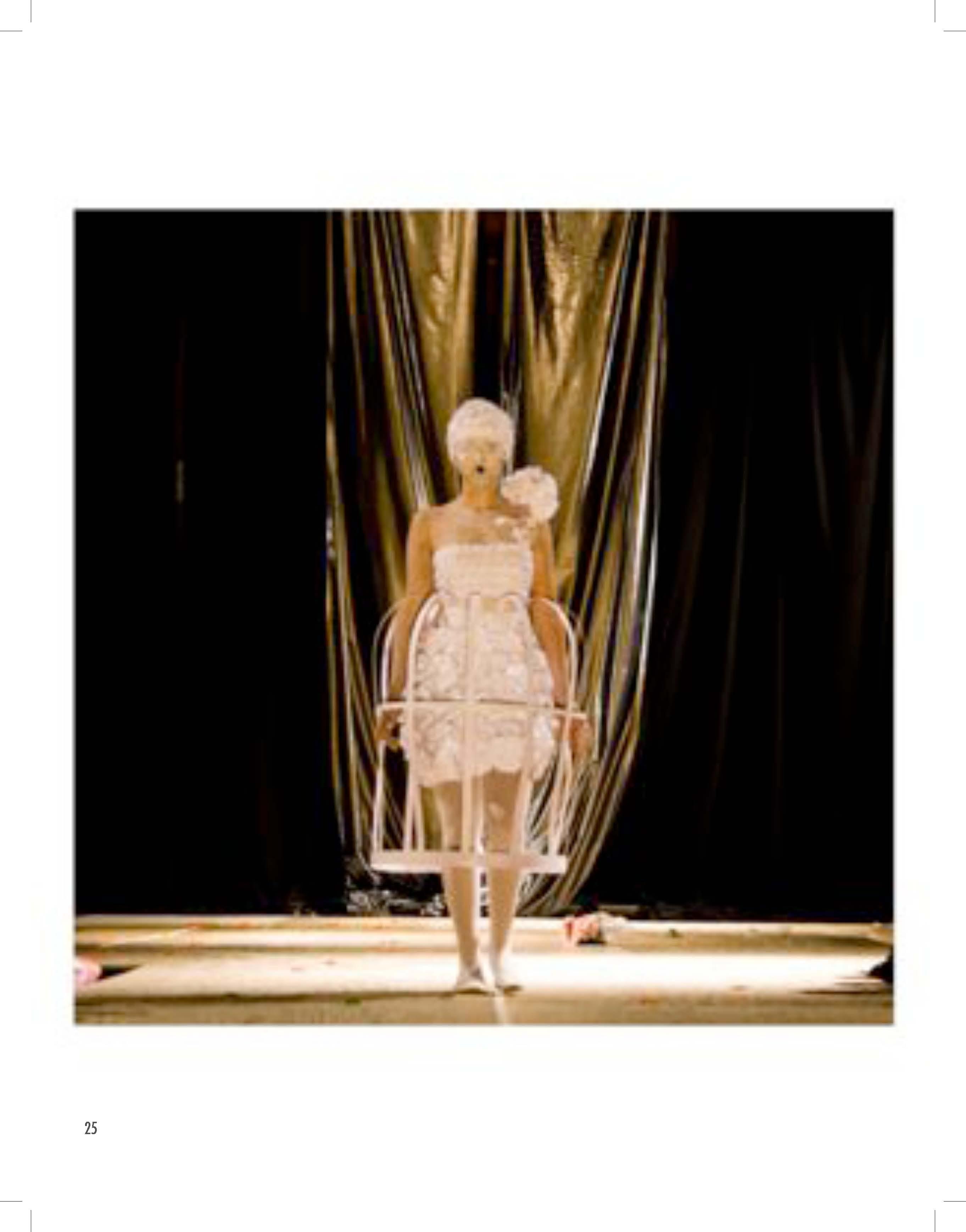 2010 PDF catalogo vestuarios escultoricos_Página_26.jpg