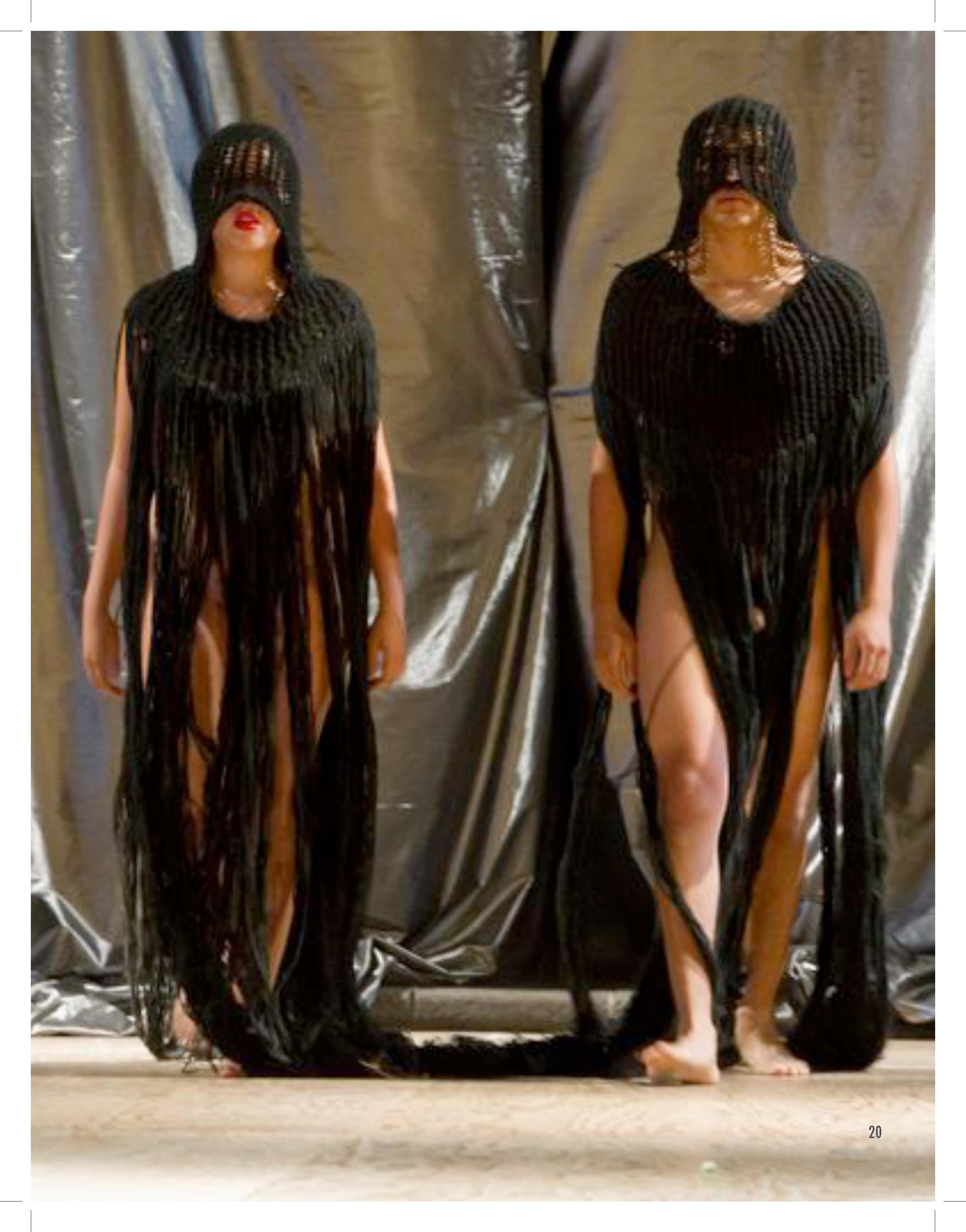 2010 PDF catalogo vestuarios escultoricos_Página_21.jpg
