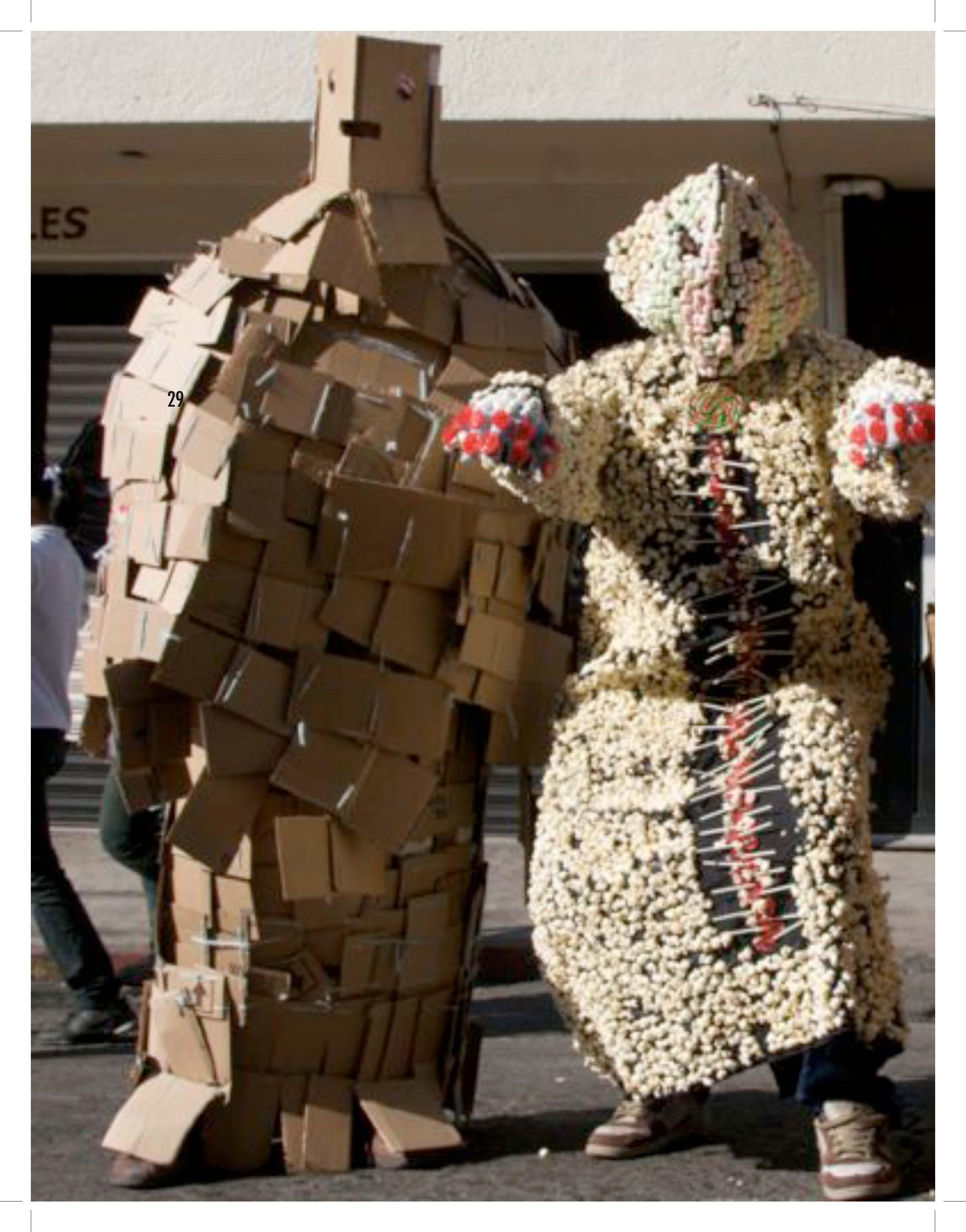 2010 PDF catalogo vestuarios escultoricos_Página_32.jpg