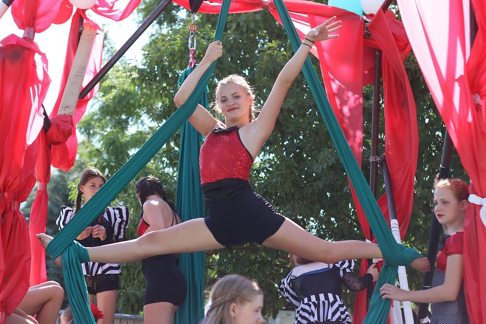 aerial silks at Draper Days Parade