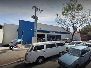 Dupla invade agência bancária e leva ao menos R$ 10 mil na zona sul de São José dos Campos