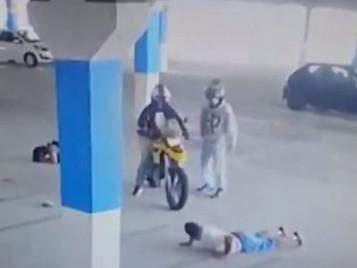 Casal é rendido e assaltado em estacionamento de loja de departamentos em São José dos Campos