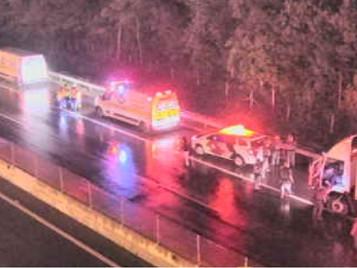 Tentativa de assalto a carro-forte termina com caminhoneiro morto na Tamoios