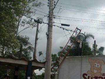Operador de telefonia morre eletrocutado na zona leste de São José dos Campos