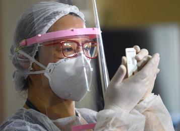 Embraer doa à Prefeitura de São José dos Campos 20 mil testes de diagnóstico da Covid-19