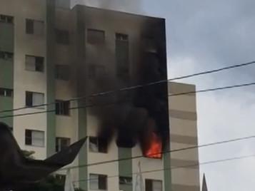 Incêndio atinge apartamento do bairro Monte Castelo em São José dos Campos