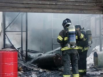 Incêndio atinge empresa de produtos de limpeza em São José dos Campos