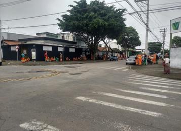 Motoristas fazem greve na coleta de lixo em São José