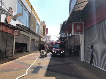 Incêndio mobiliza Corpo de Bombeiros no calçadão de São José dos Campos