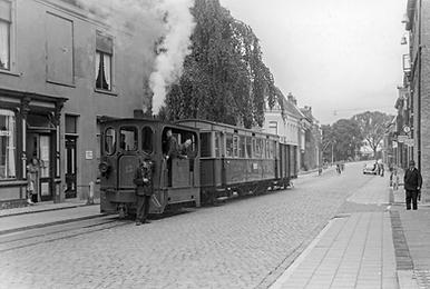 tram staand.png