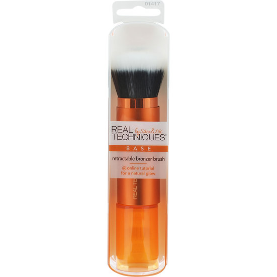 Retractable Bronzer Brush by realTechniques