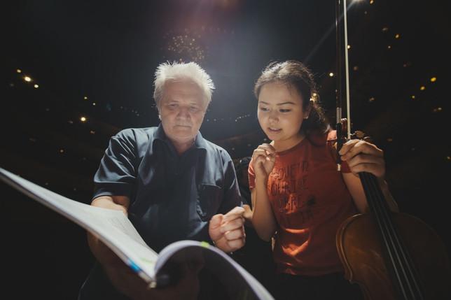 With Maestro Péter Eötvös