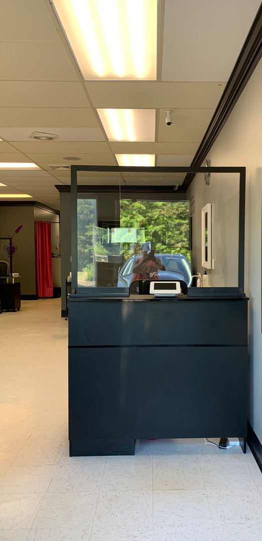 Ty's Nail Candy: Reception Desk