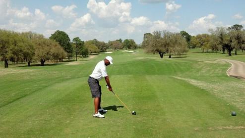 Darryl Golfing