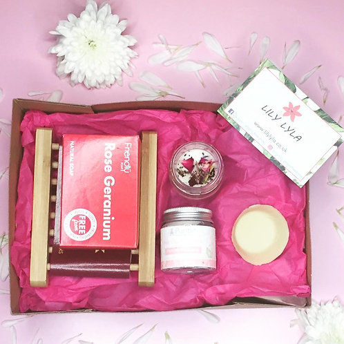 Must Be Love Gift Box