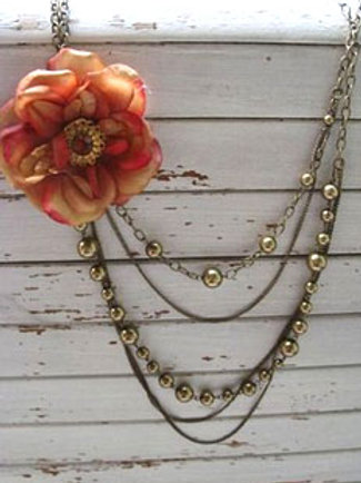 SUNSET FLOWER NECKLACE