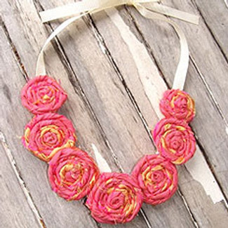 SUNSET ROSETTE NECKLACE