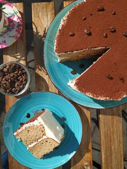 Tiramisú coffee cake sliced