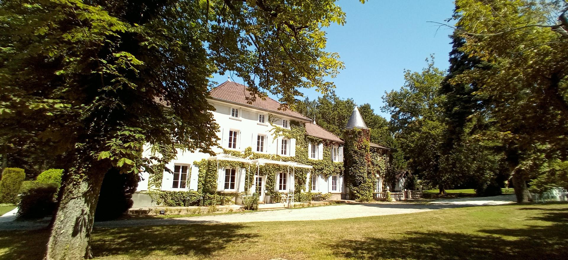 Château des Ayes.jpg