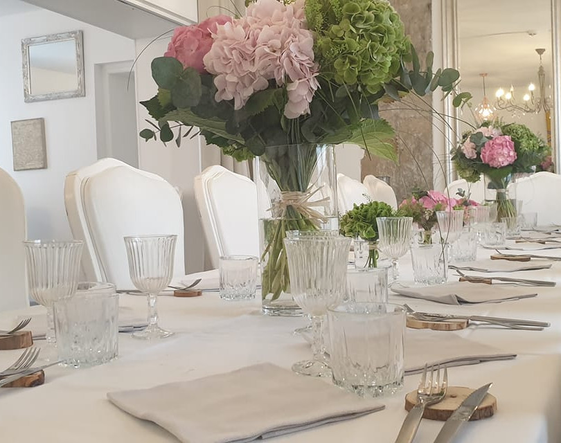 salle restaurant chateau des ayes.jpg