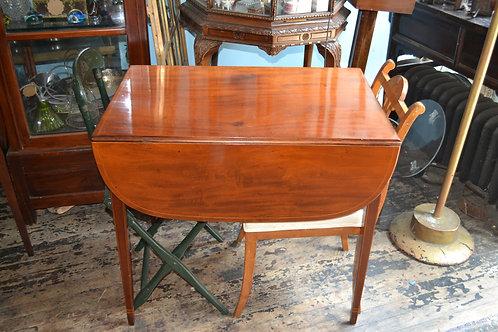 19th cent English Mahogany Pembroke table