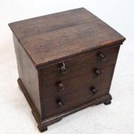 Antique lift lid oak storage bin