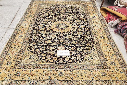 Tabriz style hand knotted oriental rug