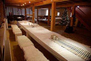 Gezellig tafelen voor families en groepen tot 30 personen.