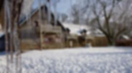Clos Saint-Sauves tuin winter ijspegels.