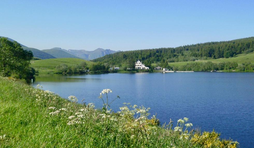 Lac_de_Guéry.jpg