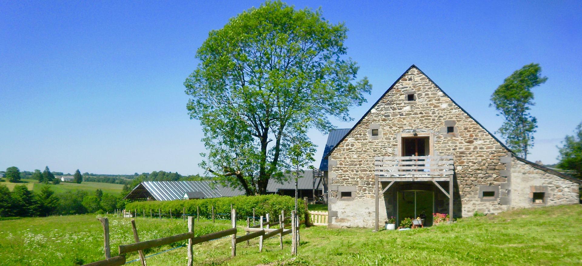 Clos Saint-Sauves: la grange coté est
