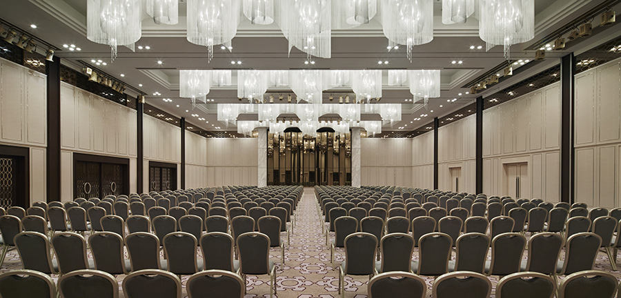 Tokyo_Marriott_ballroom_theater.jpg