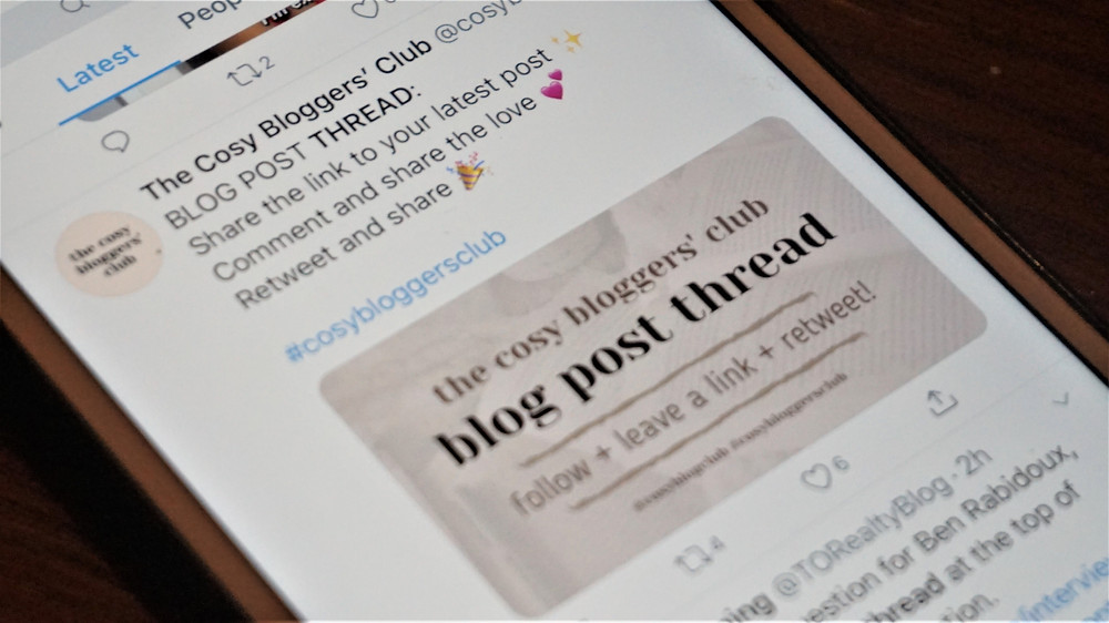 A picture of a blog post thread from the cosy bloggers club