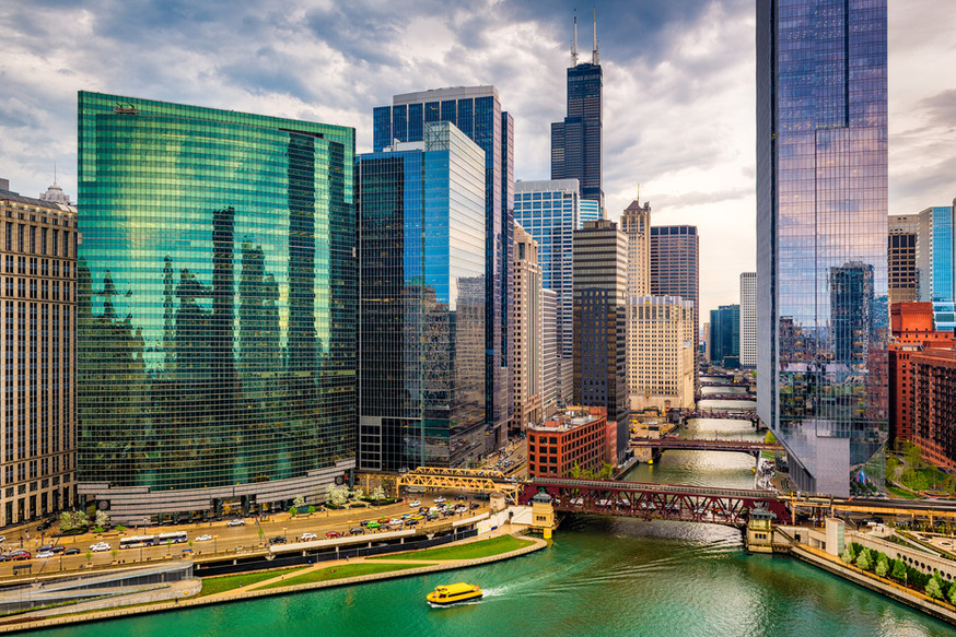 bigstock-Chicago-Illinois-USA-citysca-24