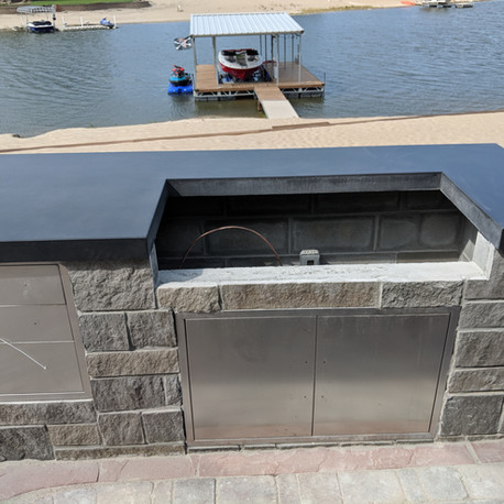 Patio grill Conrete countertop