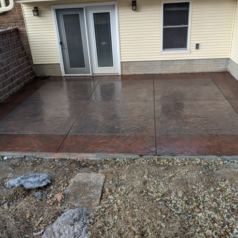 Concrete patio two-toned