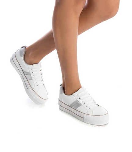 REFRESH Striped Lace Up Trainers