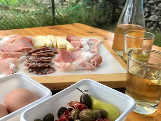 Le Osmize, il tipico locale dove mangiare in Carso.
