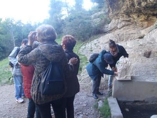 Fontaine de Voire: un groupe de Rouen découvre la balade sonore