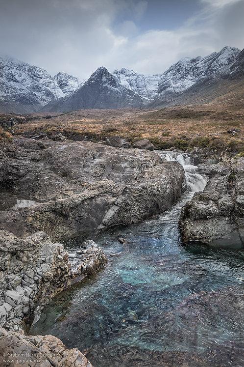 Glumagan nan Sithichean, An t-Eilean Sgitheanach (Fairy Pools, Skye)