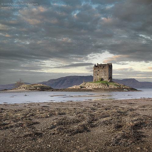 Caisteal an Stalcaire, An Apainn (Castle Stalker, Port Appin)